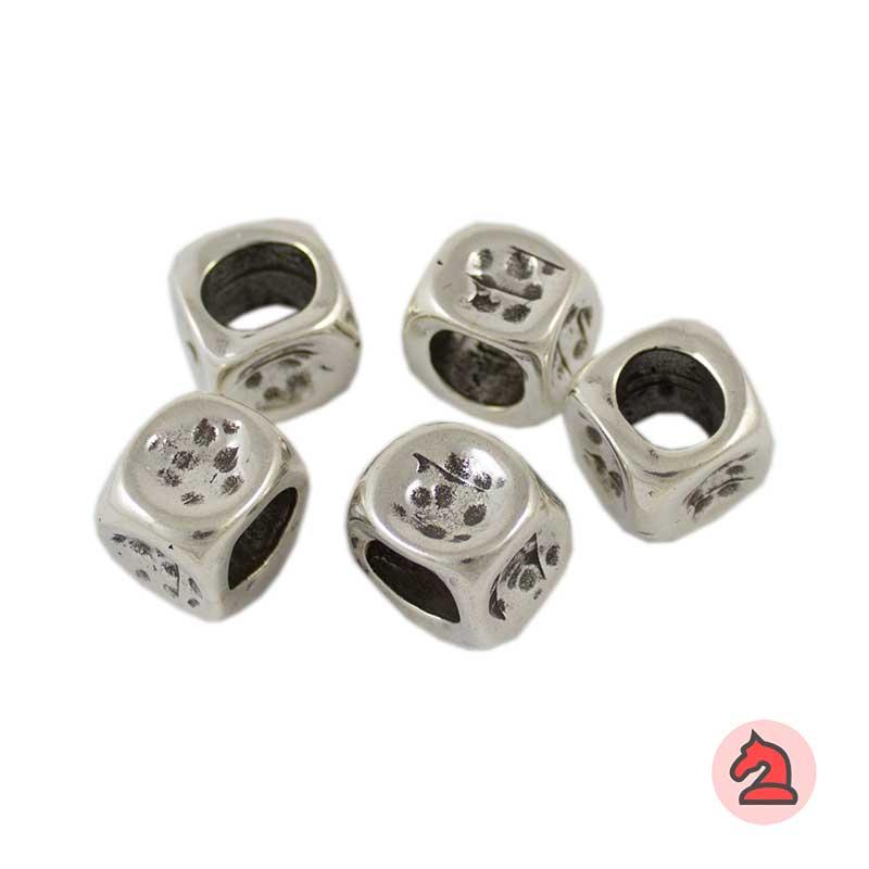 Pasador Para Cuero Regaliz - Paquete de 30 unidadesMedida aprox: 15X15 mm, para cordón de 10X7 mm