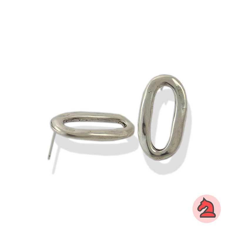 Pendiente eslabón - Venta en bolsa de 20 unidadesMedida 24X13MMDisponible en 2 acabadosLos pendientes en baño oro y solo en baño oro llevarán sus traseras
