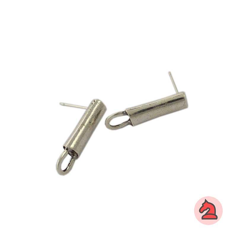 Pendiente barra con anilla - Venta en bolsa de 20 unidadesMedida 23X4mmDisponible en 2 acabadosLos pendientes en baño oro y solo en baño oro llevarán sus traseras