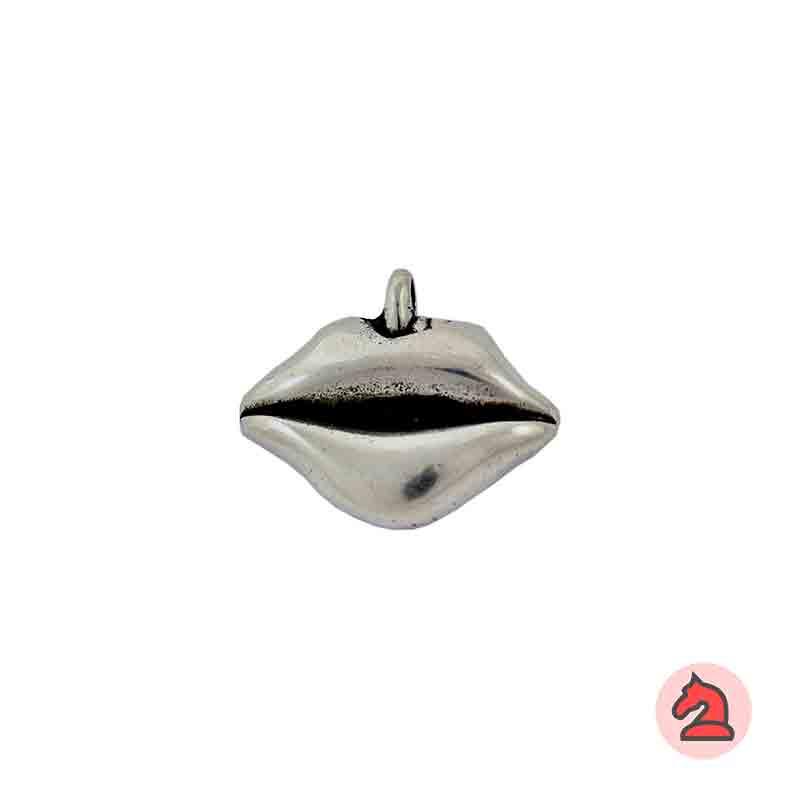 Colgante labios 32X22 mm - Paquete de 10 unidadesTamaño aproximado 32X22 mm, anilla transversal de 4,5 mm