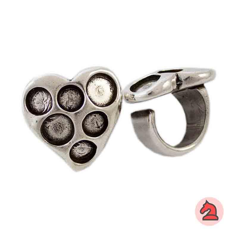 Anillo ajustable corazon para decorar - Bolsa de 6  uds. Anillo de peltre con baño plata, disponible en 3 tallas. Anillo Ajustable2 muescas para piedra de 10 mm4 muescas para piedras de 8 mm Debes seleccionar la talla*